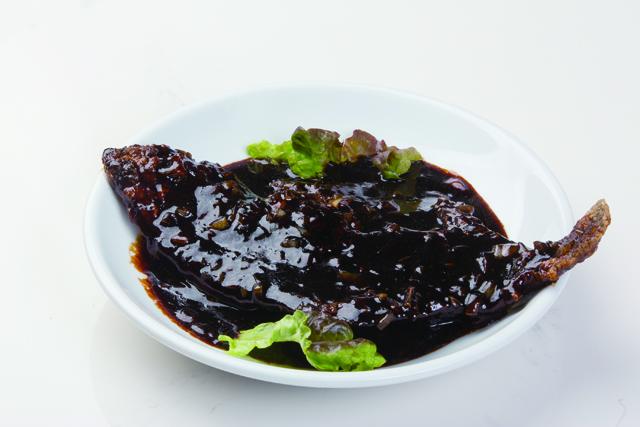 魚のブラックソース